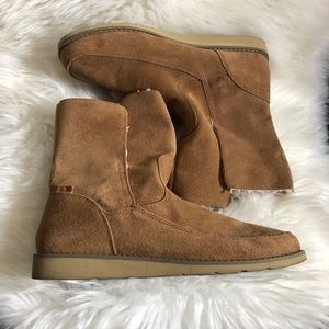 Sanuk Suede Sherpa Lined Cozy Boots 10